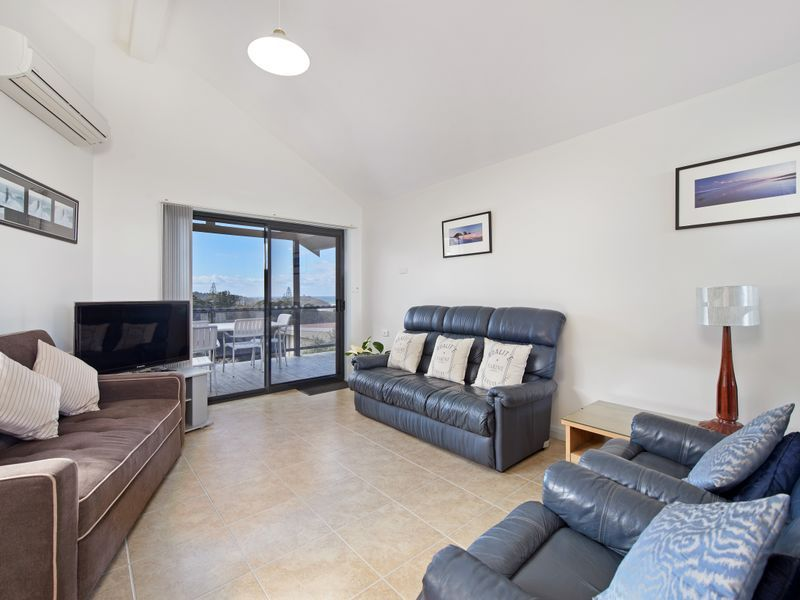 lounge unit 3